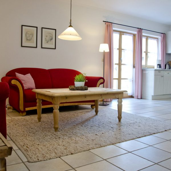 Rote Wohnung Küche