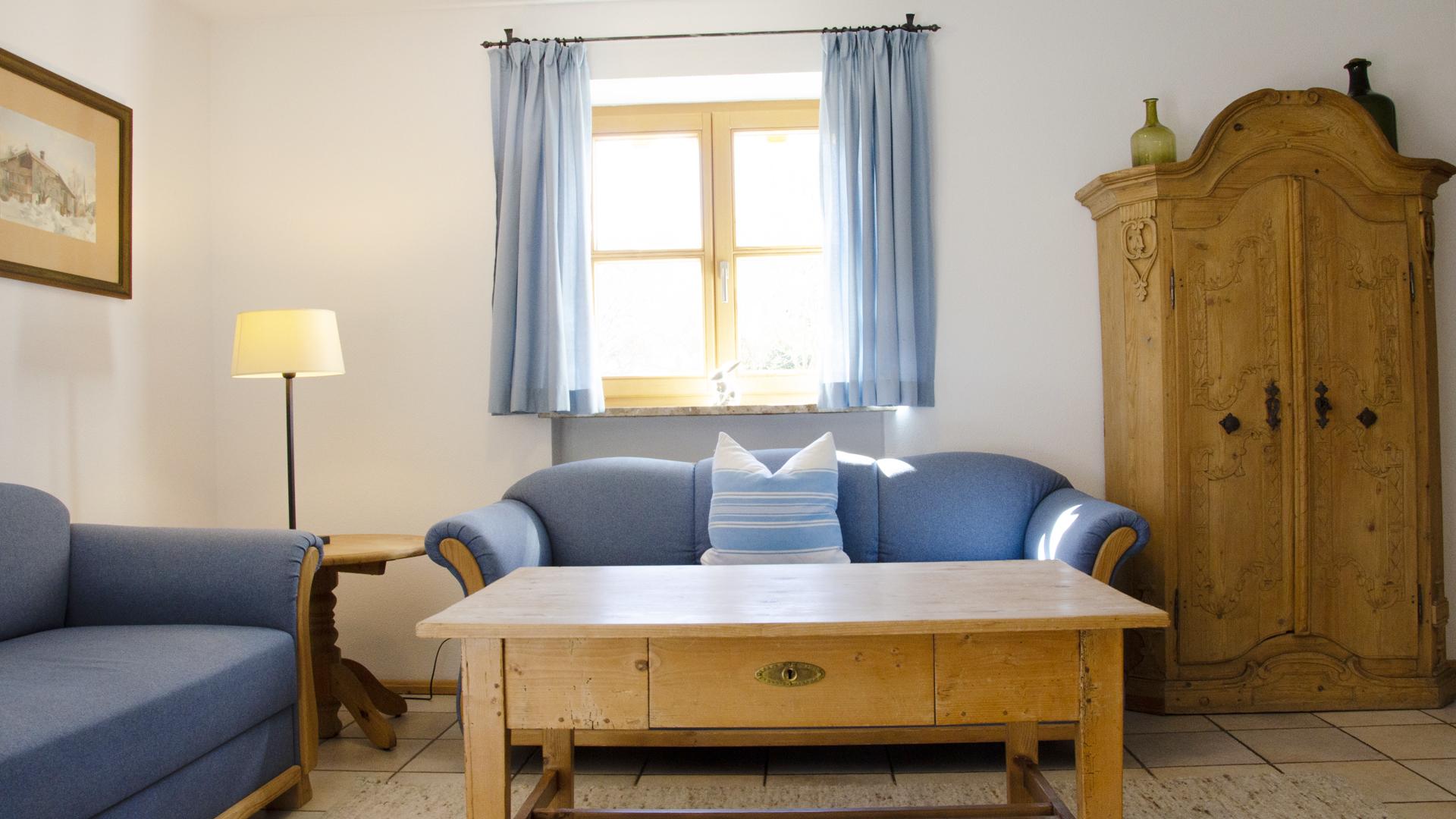 Budererhof Blau 2 Couch